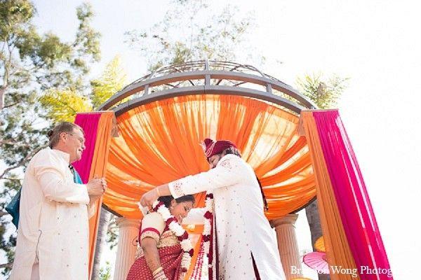 traditional indian wedding,indian wedding traditions,indian wedding traditions and customs,traditional indian wedding dress,traditional hindu wedding,indian wedding tradition,indian wedding mandap,traditional Indian ceremony,traditional hindu ceremony,hindu wedding ceremony
