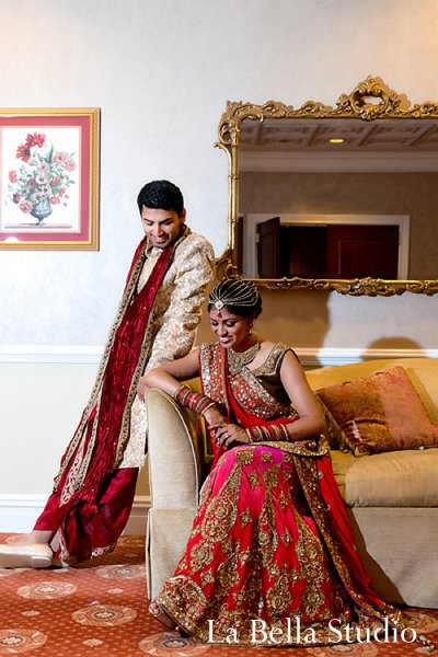 indian wedding dress,indian bridal lengha,indian wedding lengha,indian bride,indian wedding wear,indian bridal mehndi,indian bridal hair accessories,indian bridal accessories,images of brides and grooms