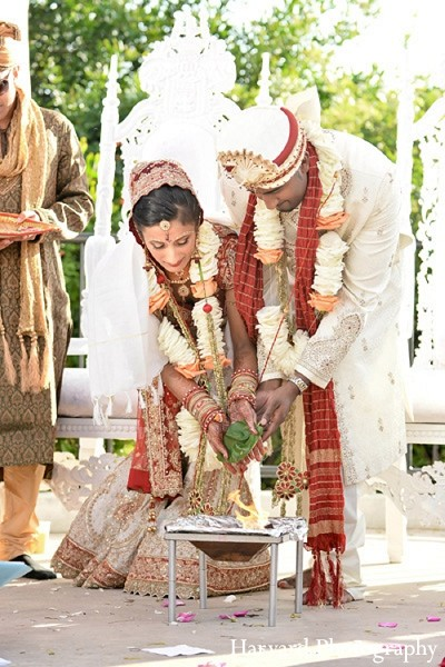 indian wedding ceremony,outdoor indian wedding decor,outdoor ceremony d?cor,outdoor indian wedding,traditional indian wedding,indian wedding traditions,indian wedding customs,traditional indian wedding dress,indian wedding mandap,indian weddings