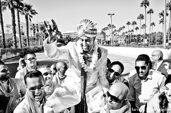 indian wedding baraat,indian groom baraat,indian groom,traditional indian wedding,indian wedding traditions,indian wedding customs,traditional indian wedding dress,indian bridegroom