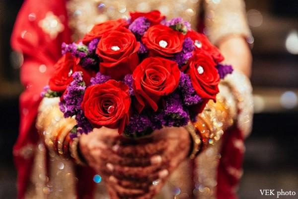 Mehndi Flower Bunch : Bridal bouquet in chicago il pakistani wedding by vek