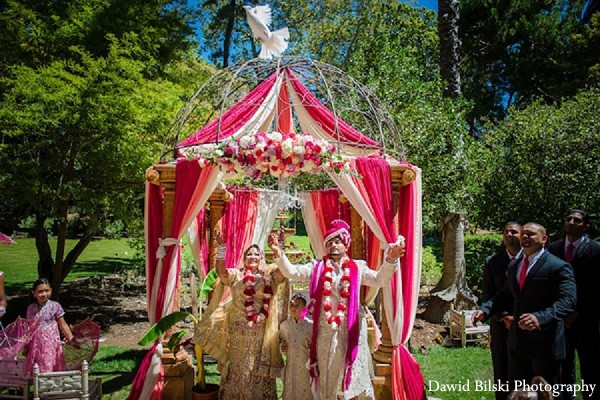 outdoor wedding,outdoor wedding decor,outdoor wedding ceremony,outdoor wedding ceremony decor,outdoor ceremony,outdoor ceremony decor,outdoor Indian wedding,outdoor Indian wedding ceremony,outdoor Indian ceremony,traditional indian wedding,indian wedding traditions,indian wedding traditions and customs,traditional indian wedding dress,traditional hindu wedding,indian wedding tradition,indian wedding mandap,traditional Indian ceremony,traditional hindu ceremony,hindu wedding ceremony,white doves,doves,dove