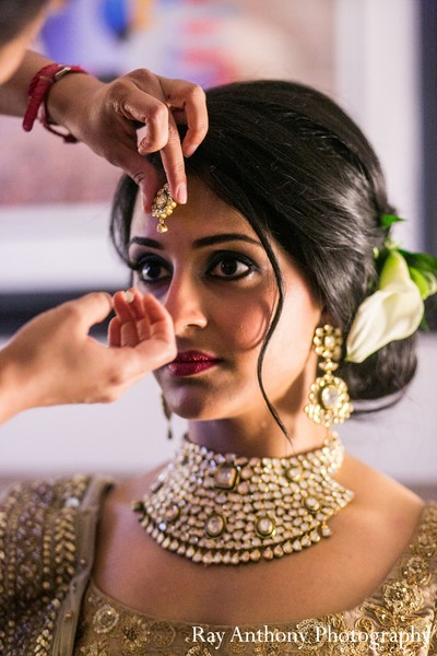 Getting Ready In Dearborn MI Indian Wedding By Ray Anthony Photography
