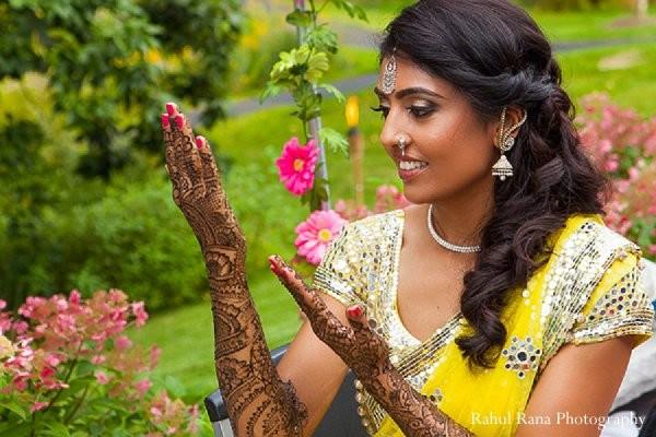 Mehndi Clothes For Brides : Bartlett il indian wedding by rahul rana photography maharani