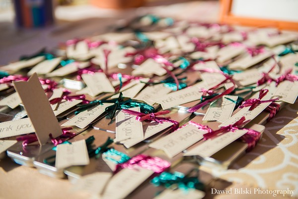 wedding pictures,wedding picture ideas,wedding pictures ideas,indian wedding pictures,hindu wedding pictures,indian wedding photographer,indian wedding photographers,professional indian wedding photography,indian wedding favors,indian wedding favor,wedding favors