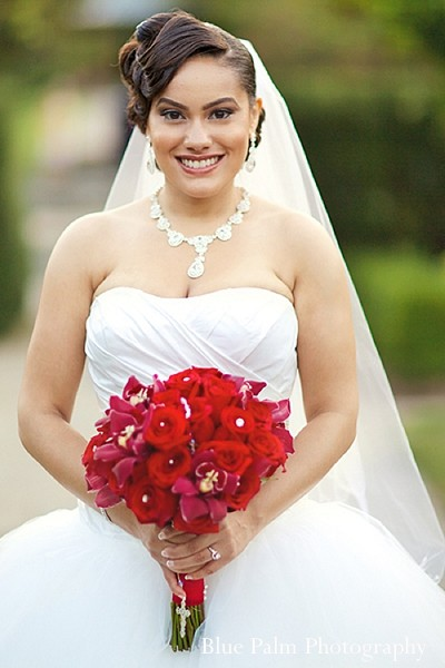 White And Red Wedding Gown 41 Awesome indian wedding portraits portraits