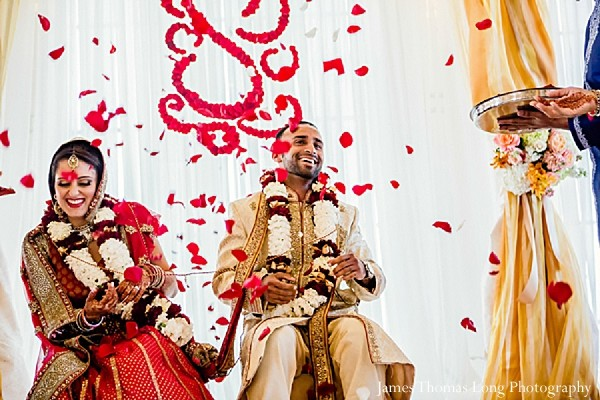 indian bride,images of brides and grooms,traditional indian wedding,indian wedding traditions,indian wedding customs,traditional indian wedding dress,indian wedding mandap,indian weddings