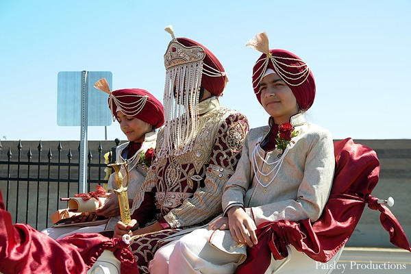 traditional indian wedding,indian wedding traditions,indian wedding traditions and customs,indian wedding tradition,traditional sikh wedding,sikh wedding,sikh ceremony,sikh wedding ceremony,traditional sikh wedding ceremony,baraat,groom baraat,indian groom,indian groom baraat,baraat procession,baraat ceremony