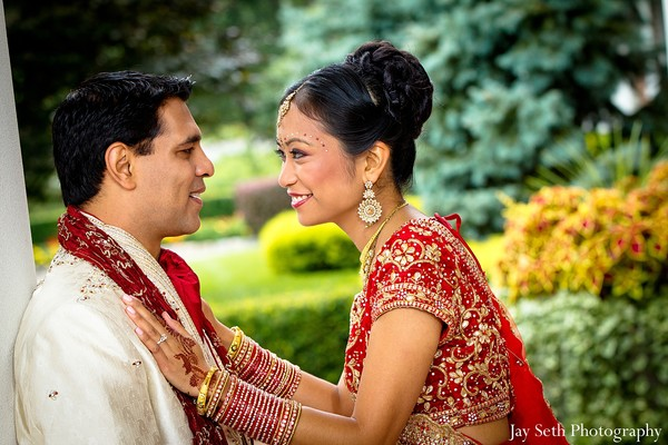 indian wedding portraits,portraits of indian wedding,portraits of indian bride and groom,indian wedding portrait ideas,indian wedding photography,indian wedding photos,photos of bride and groom,photos of indian bride,portraits of indian bride,indian bride and groom photography,bridal sari,indian sari,wedding sari,bridal saree,Indian saree,wedding saree,Indian bridal sari,Indian bridal saree