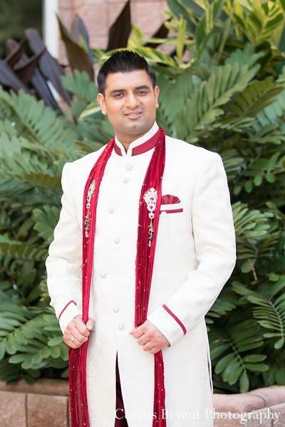 indian wedding clothing,indian wedding clothes,indian groom,indian groom clothing,groom fashion,indian groom fashion,indian wedding men's fashion,indian men's fashion,indian groom sherwani,groom sherwani,wedding sherwani,portrait of indian groom,portraits of indian grooms,indian wedding photography,indian wedding photographer