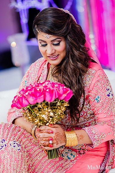 indian weddings,indian wedding photo,indian wedding fashions,indian wedding outfits,indian bridal fashions,indian bride,portraits of indian wedding