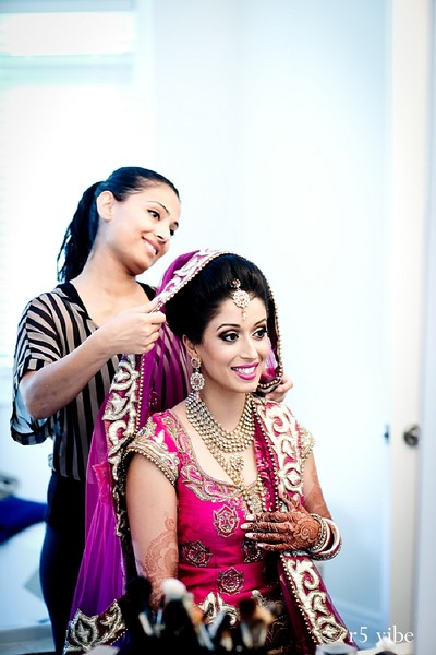 Getting ready in Ontario, Canada Indian Wedding by r5 vibe