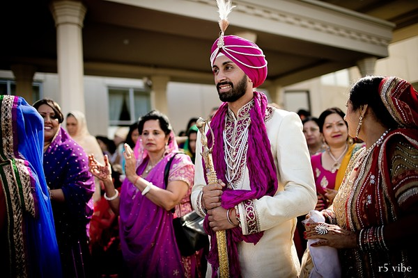 indian weddings,indian wedding clothes,indian groom,indian groom clothing,indian groom fashion,indian wedding fashions,indian wedding outfits,indian wedding wear,indian wedding baraat,indian groom baraat,traditional indian wedding,indian wedding traditions,indian wedding customs