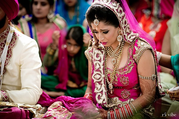 Ontario canada indian wedding by r5 vibe maharani weddings for Bride groom dresses for indian wedding