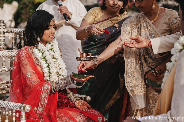 traditional indian wedding,indian wedding traditions,indian wedding traditions and customs,traditional indian wedding dress,traditional hindu wedding,indian wedding tradition,traditional Indian ceremony,traditional hindu ceremony,hindu wedding ceremony,indian wedding portraits,portraits of indian wedding,portraits of indian bride