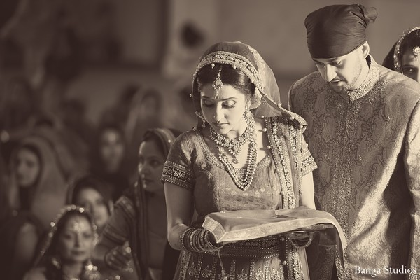 Sikh ceremony in Toronto, Canada Indian Wedding by Banga Studios