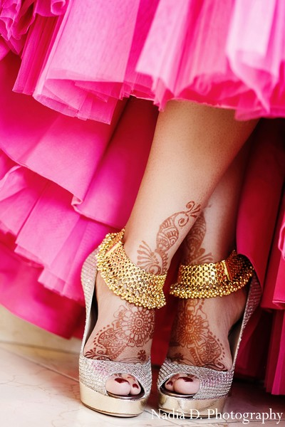 indian weddings,indian bridal bracelets,henna for indian bride,indian bridal accessories,indian wedding shoes,indian bridal footwear