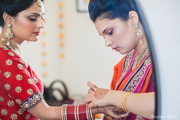 Getting ready in Bakersfield, CA Indian Wedding by Avenue Blu3