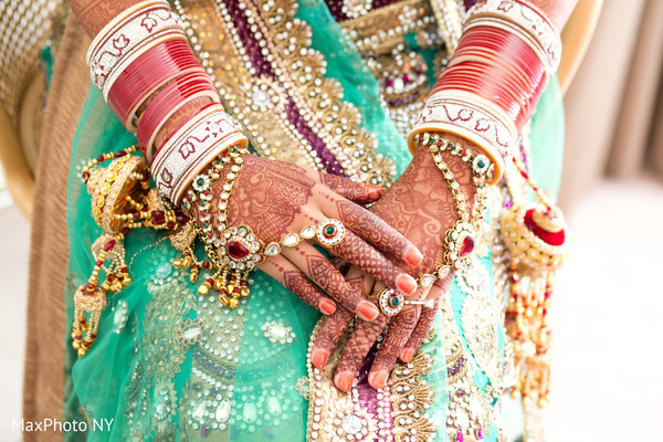 indian bride jewelry,indian wedding jewelry,indian bridal jewelry,indian jewelry,indian wedding jewelry for brides,bridal mehndi,bridal henna,henna,mehndi,mehndi for Indian bride,henna for Indian bride,mehndi artist,henna artist,mehndi designs,henna designs,mehndi design