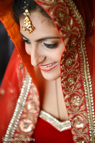 Getting ready in Chattanooga, TN Indian Wedding by Soham Photography