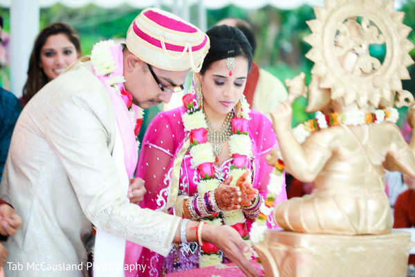 traditional indian wedding,indian wedding traditions,indian wedding traditions and customs,traditional hindu wedding,indian wedding tradition,indian wedding mandap,traditional Indian ceremony,traditional hindu ceremony,hindu wedding ceremony,indian bride and groom,indian bride groom,photos of brides and grooms,images of brides and grooms,indian bride grooms,Indian brides