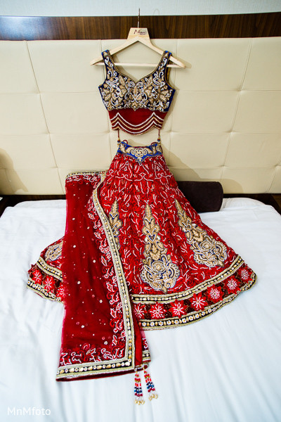 Getting ready in san antonio tx indian wedding by mnmfoto for Indian jewelry in schaumburg il