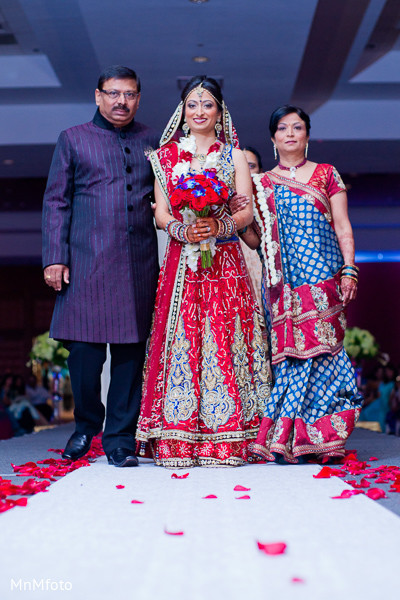 traditional indian wedding,indian wedding traditions,indian wedding customs,traditional indian wedding dress,indian weddings