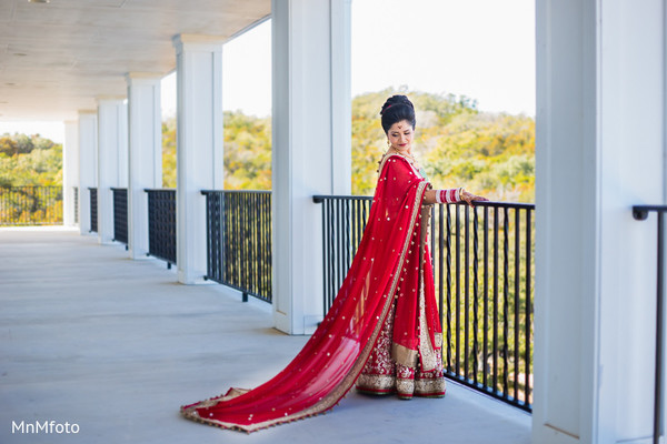 portraits of indian wedding,indian bride,indian bridal fashions,indian bride photography,indian wedding lengha,indian bridal lengha,indian wedding lehenga,indian wedding lehenga choli