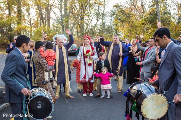 indian wedding baraat,indian groom baraat,indian groom,traditional indian wedding,indian wedding traditions,indian wedding customs,bridegroom