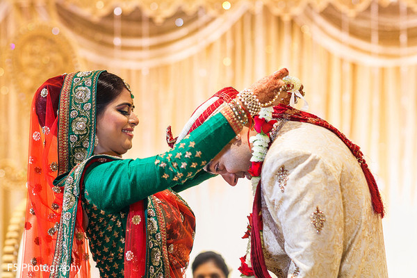 traditional indian wedding,indian wedding traditions,indian wedding traditions and customs,traditional hindu wedding,indian wedding tradition,indian wedding mandap,traditional Indian ceremony,traditional hindu ceremony,hindu wedding ceremony
