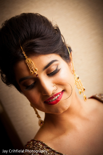 indian bride makeup,indian wedding makeup,indian bridal makeup,indian makeup,bridal makeup indian bride,bridal makeup for indian bride,indian bridal hair and makeup,indian bridal hair makeup,red lip,red lipstick,tikkah,tikka,bridal tikka,bridal tikkah,up-do,.nath,bridal nath,nose ring,bridal nose ring