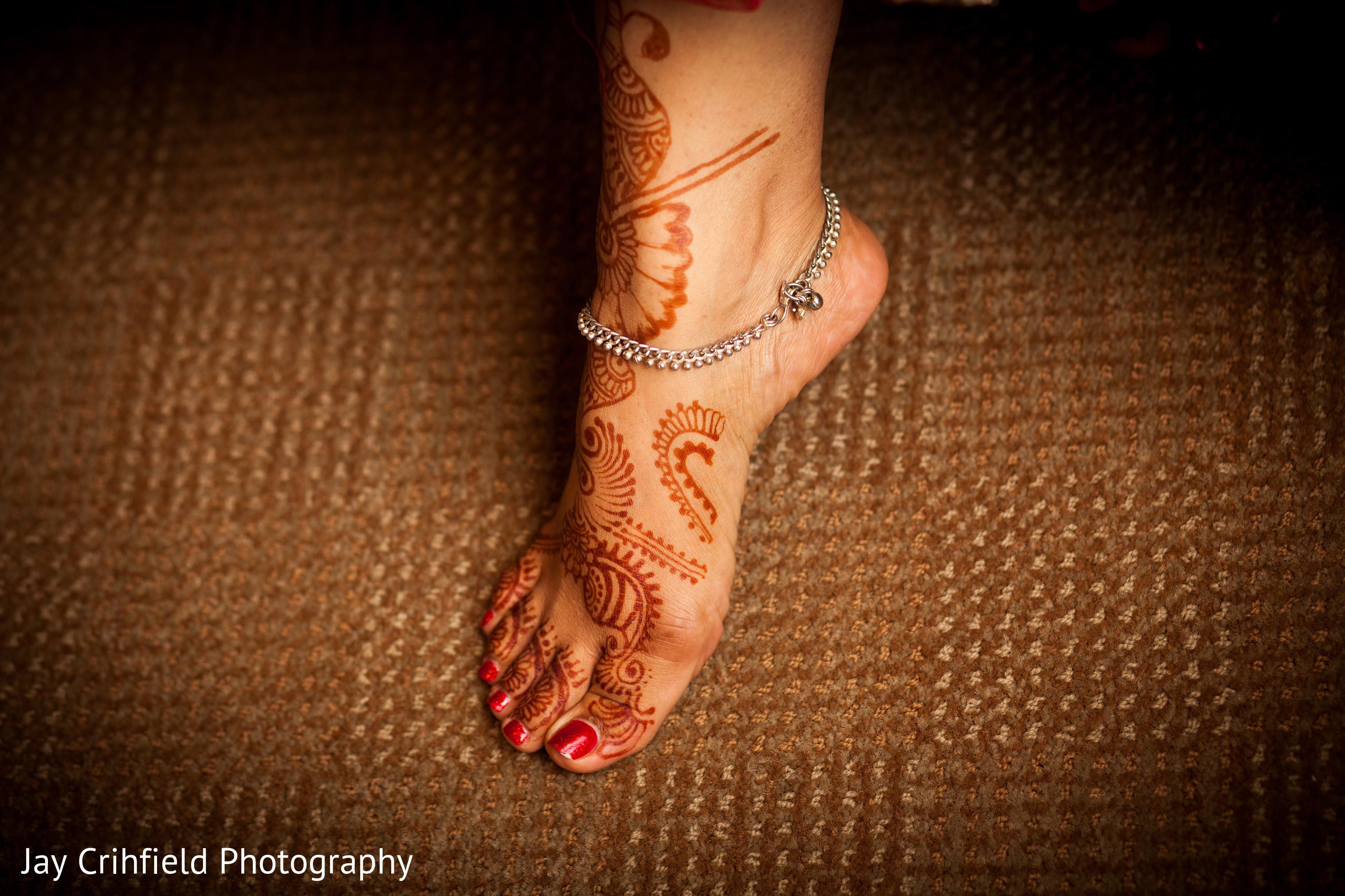 Mehndi Ankle Image : Basha ankle bracelet grounding crystals jennydresswell