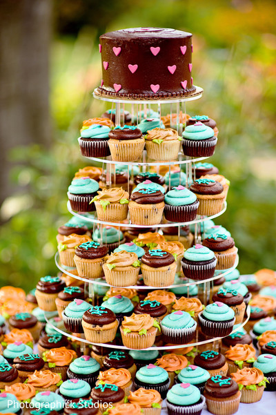 wedding treats,wedding treat,indian wedding treats,indian wedding sweets,indian wedding desserts,indian wedding dessert,cupcake tower,cupcake,cupcakes