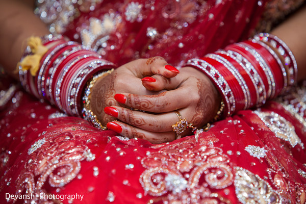 Bridal jewelry in Netherlands Indian Wedding by Devanshi Photography