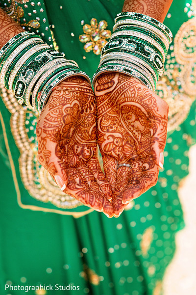 bridal mehndi,bridal henna,henna,mehndi,mehndi for Indian bride,henna for Indian bride,mehndi artist,henna artist,mehndi designs,henna designs,mehndi design,indian bride jewelry,indian wedding jewelry,indian bridal jewelry,indian jewelry,indian wedding jewelry for brides