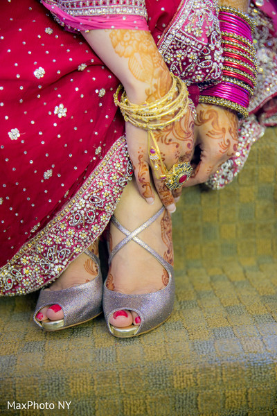 indian bride photography,indian bridal fashions,indian wedding details,indian bridal accessories,indian wedding shoes,indian bridal footwear