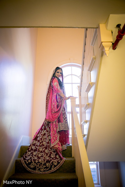 portraits of indian wedding,indian bride,indian bridal fashions,indian bride photography,indian wedding details,indian wedding lengha,indian bridal lengha,indian wedding lehenga,indian wedding lehenga choli