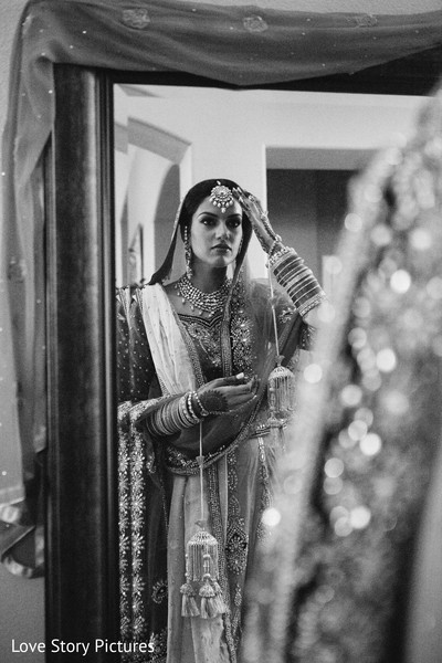 Getting Ready in Sacramento, CA Indian Wedding by Love Story Pictures