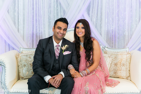 indian bride and groom,photos of brides and grooms,images of brides and grooms,Reception photography,Indian bride and groom reception,Indian reception pictures,Indian reception photography,Indian bride and groom reception photography,reception photos