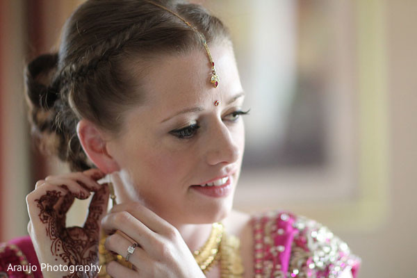 getting ready,simple bridal jewelry,simple indian bridal jewelry,bridal jewelry,simple hair and makeup,bridal hair and makeup