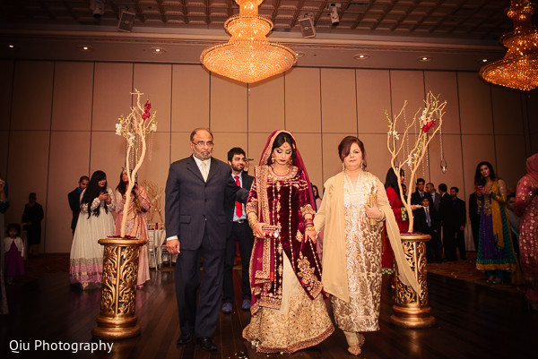traditional pakistani wedding,pakistani wedding,pakistani wedding ceremony,traditional pakistani wedding ceremony,pakistani bride,photos of pakistani bride,photos of pakistani wedding,pakstani wedding fashion,pakistani wedding attire,pakistani wedding outfits