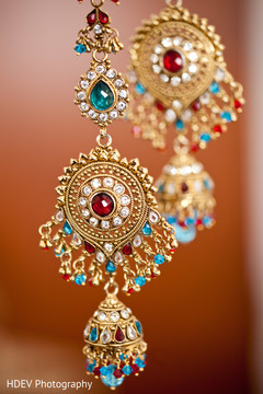 This Indian bride opts for beautiful jewelry on her wedding day.