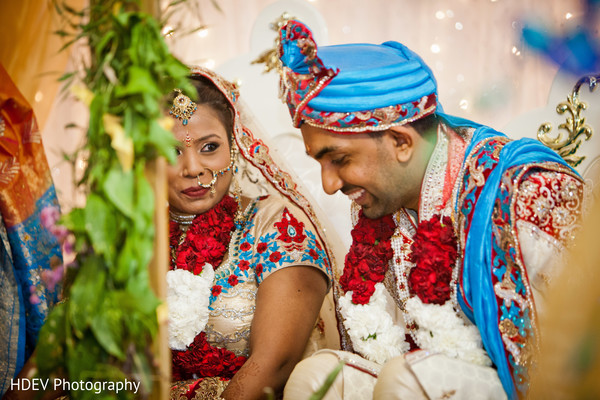 traditional indian wedding,indian wedding traditions,indian wedding traditions and customs,traditional hindu wedding,indian wedding tradition,traditional Indian ceremony,traditional hindu ceremony,hindu wedding ceremony,international wedding,indian bride and groom,indian bride groom,photos of brides and grooms,images of brides and grooms,indian bride grooms,Indian brides