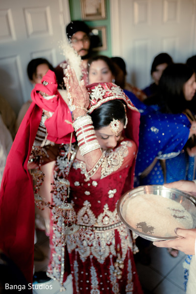 indian bride,Indian brides,traditional indian wedding,indian wedding traditions,indian wedding traditions and customs,traditional indian wedding dress,indian wedding tradition,traditional sikh wedding,sikh wedding,sikh ceremony,sikh wedding ceremony,traditional sikh wedding ceremony,Punjabi wedding,Punjabi wedding ceremony,post-ceremony traditions