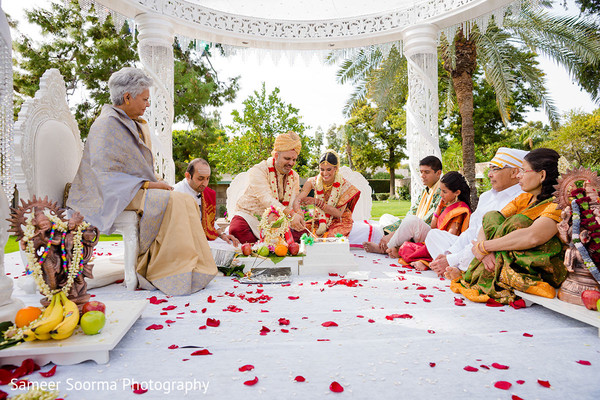 outdoor wedding,outdoor wedding ceremony,outdoor indian wedding ceremony,outdoor ceremony,outdoor Indian wedding,outdoor Indian wedding ceremony,outdoor Indian ceremony,traditional indian wedding,indian wedding traditions,indian wedding traditions and customs