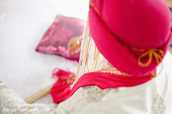 indian wedding clothing,indian wedding clothes,indian groom,indian groom clothing,groom fashion,indian groom fashion,indian wedding men's fashion,indian men's fashion,sikh groom,sikh groom details,sikh details,accessories for sikh groom