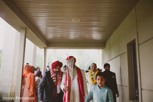 Portraits in Ontario, Canada Sikh Wedding by Henley Portraiture