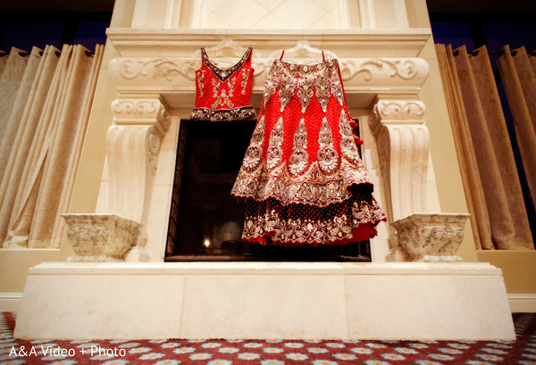 red wedding lengha,red lengha,red bridal lengha,red bridal lehenga,traditional wedding lengha,traditional bridal lengha,red wedding lehenga