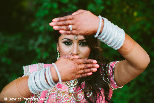Indian reception portraits,Indian wedding reception portraits,Indian reception fashion,portrait of indian bride,indian bridal portraits,indian bridal portrait,indian bridal fashions,indian bride,indian bride photography