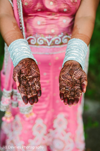 Mehndi Artists in Westland, MI Indian Wedding by Jill Devries Photography